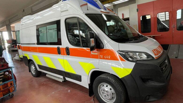 """Ambulanza super equipaggiata donata della Fondazione Cassa di Risparmio di Orvieto all'ospedale """"S. Maria della Stella"""""""
